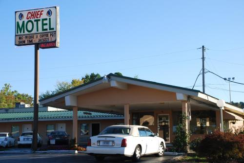 Chief Motel Fayetteville Photo