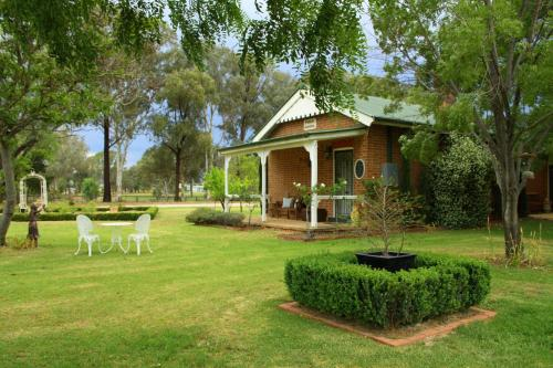 Hotel Old School House B&b Mudgee