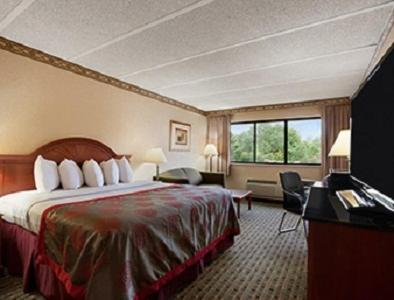 Ramada Philadelphia - Levittown Photo