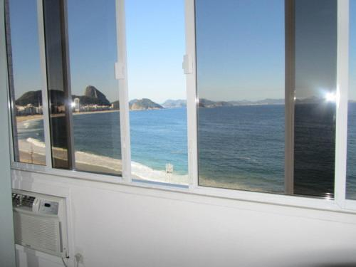 Apartamento frontal à Praia de Copacabana Photo