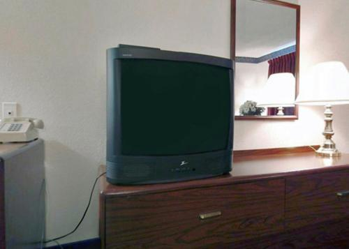 Americas Best Value Inn Cisco Photo