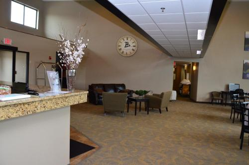 Boulders Inn & Suites - Polk City Photo