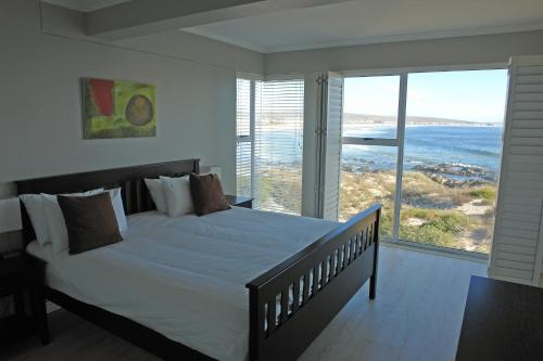 Oystercatcher Lodge Photo