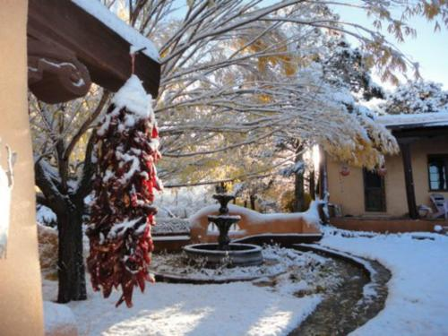 Old Taos Guesthouse B&B Photo