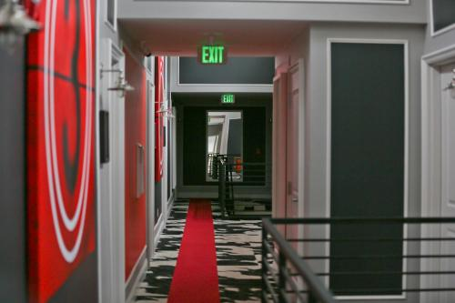 Hollywood Le Bon Hotel Photo