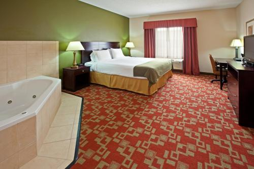 Holiday Inn Express Vincennes Photo