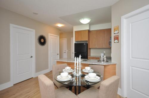 Urban Furnished Suites - Mississauga Photo