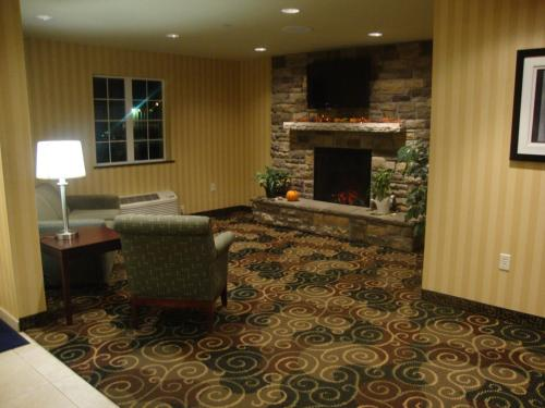 Cobblestone Inn and Suites - Carrington Photo