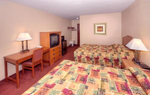 Relax Inn & Suites El Cajon Photo