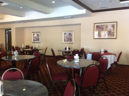 Ramada Kissimmee Downtown Photo