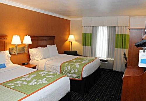 Fairfield Inn Ontario Photo
