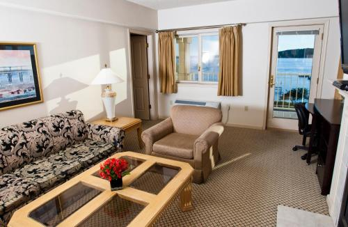 Bella Vista Suites Lake Geneva Photo