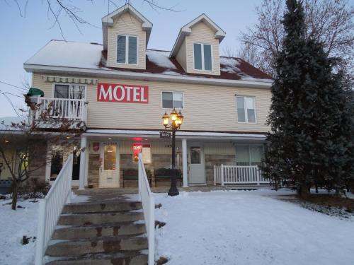 Motel Derfal Photo