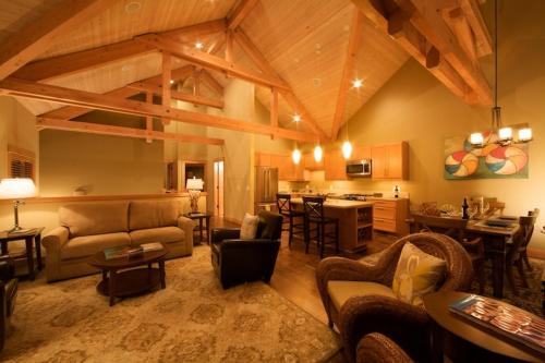 Lodges at Cannon Beach Photo