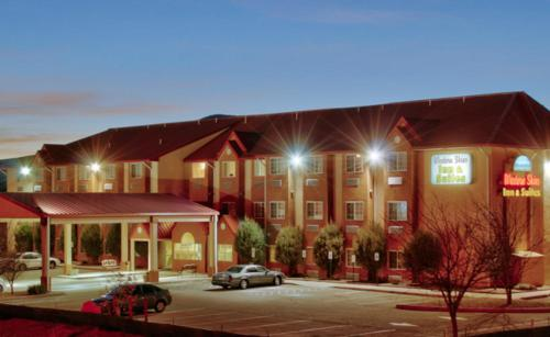 Western Skies Inn & Suites