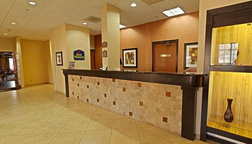 Best Western Green Valley Inn Photo