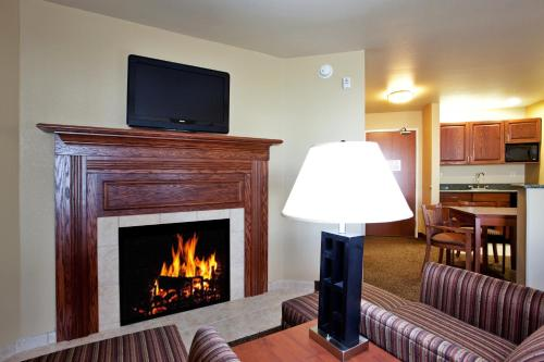 Holiday Inn Express Hotel & Suites Lewisburg Photo