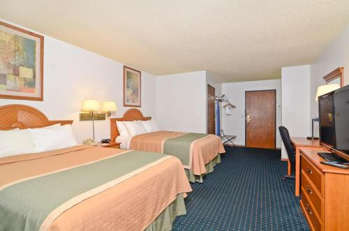 Best Western Maritime Inn Photo