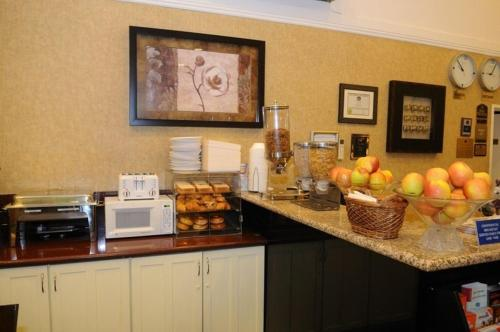Best Western Palm Garden Inn Photo