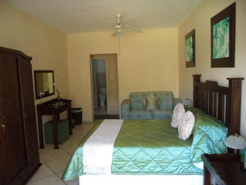 Heatherdale Guesthouse & Shuttle Services Photo