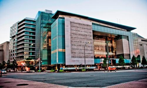 Churchill at Newseum Residences Photo