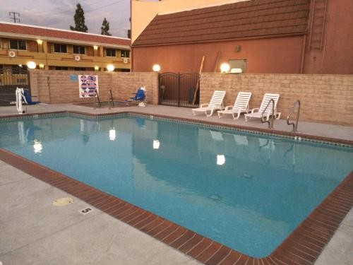 Americas Best Value Inn - Azusa/Pasadena Photo