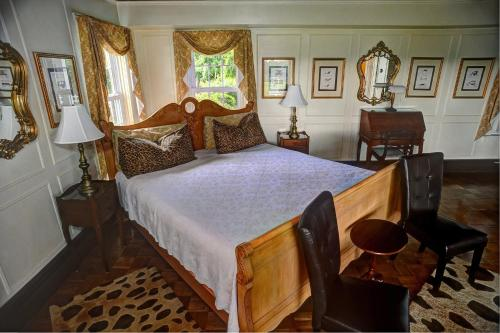 Historic Jacob Hill Inn Photo