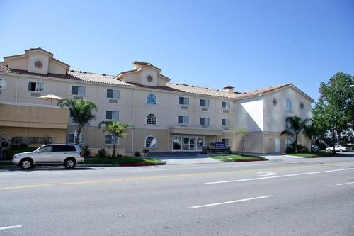 Best Western Plus Media Center Inn & Suites - Burbank, CA 91505