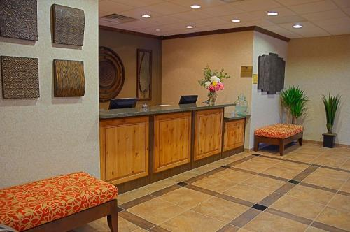 Best Western Plus Canyon Pines Photo