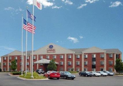 Photo of Comfort Suites Southfield Hotel Bed and Breakfast Accommodation in Southfield Michigan