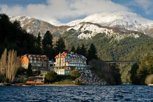 Correntoso Lake & River Hotel Photo