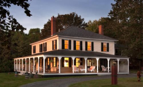 Yellow House Bed & Breakfast - Bar Harbor, ME 04609