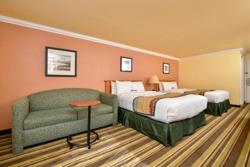 Americas Best Value Inn & Suites - San Francisco Airport Photo
