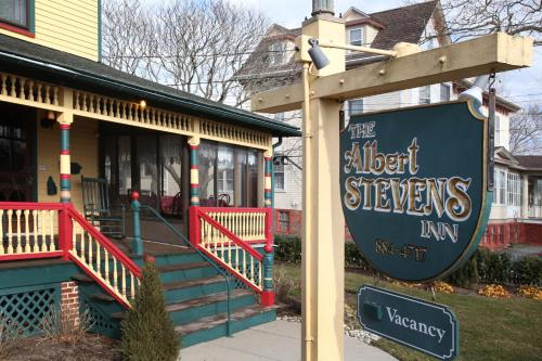 Albert Stevens Inn Photo