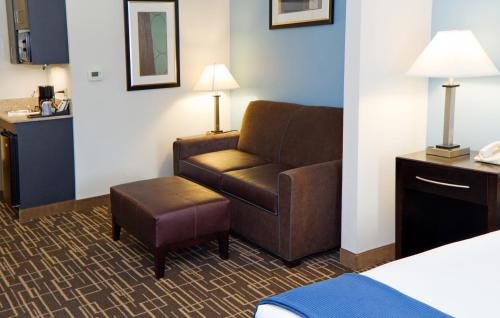 Holiday Inn Express Hotel & Suites Greenville-Downtown Photo