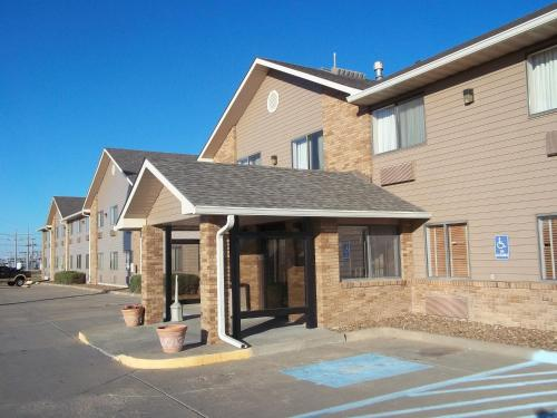 AmericInn and Suites Salina Photo
