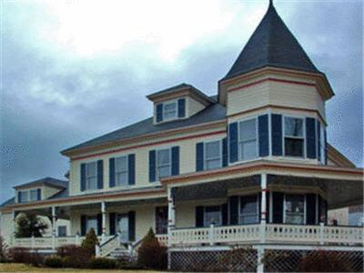 Photo of The Jefferson Inn Hotel Bed and Breakfast Accommodation in Jefferson New Hampshire