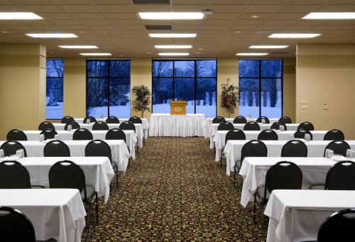 Arrowwood Resort And Conference Center - Okoboji, IA 51355