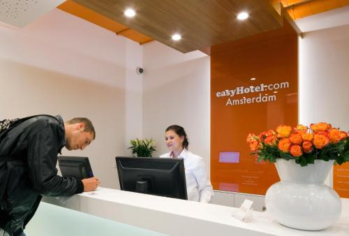 easyHotel Amsterdam City Centre South photo 85