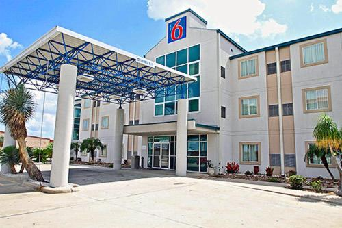 Motel 6 Harlingen