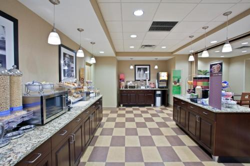 Hampton Inn Brockport Photo