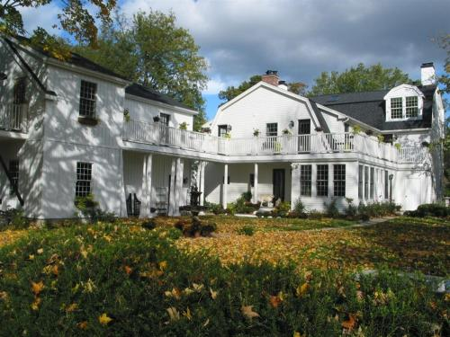 Connecticut River Valley Inn - Glastonbury, CT 06033