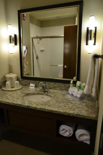 Holiday Inn Express Belgrade-Bozeman Area Photo