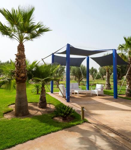 Le vizir center parc resort prices photos reviews for Appart hotel kenitra