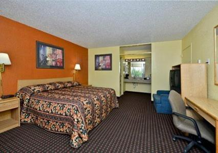 Econo Lodge Carlsbad Photo