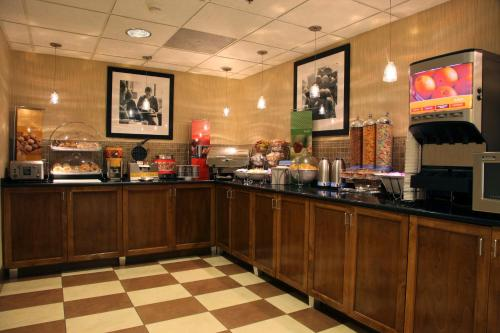 Hampton Inn Richmond/Ashland photo 21