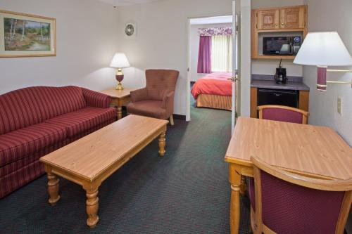 Country Inn & Suites By Carlson Indianapolis South Photo