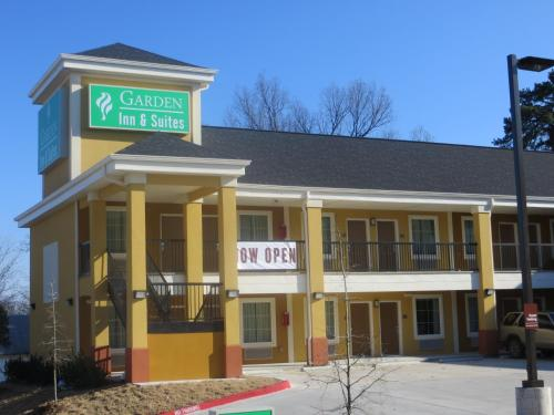 Picture of Garden Inn and Suites/><p class=