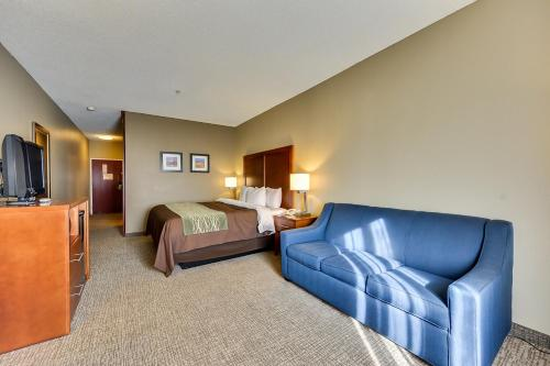 Comfort Inn Red Oak Photo