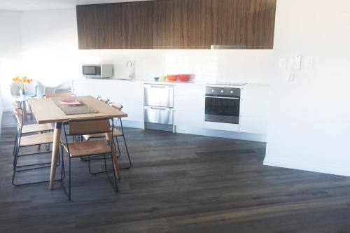 Bondi 38 Serviced Apartments - 3 of 30